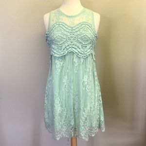 Dresses & Skirts - Beautiful mint boutique dress with lace